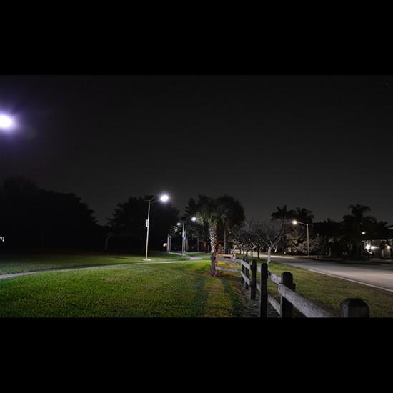 SL12 Solar Parking Lot Light (With Pole) 10W / 15W / 20W / 25W