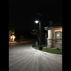 SL15 Solar 10W/15W/20W/25W/30W Street/Parking Lot Light (With Pole)